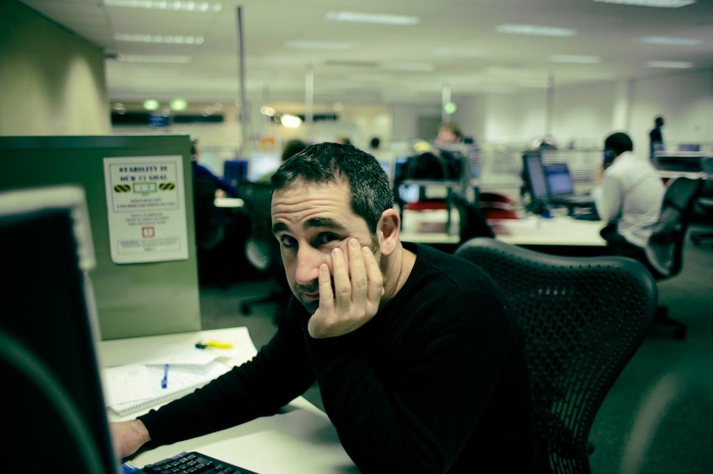business writing course glasgow man desk.