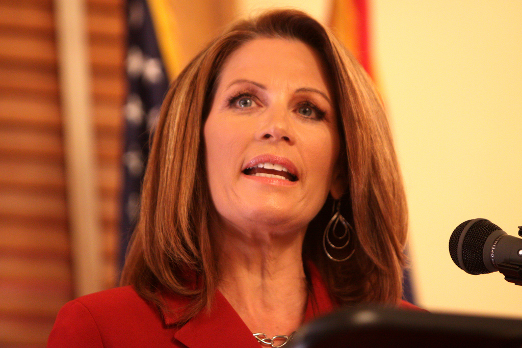 How to Communicate in a Crisis - Pink Elephant Communications - Michelle Bachmann