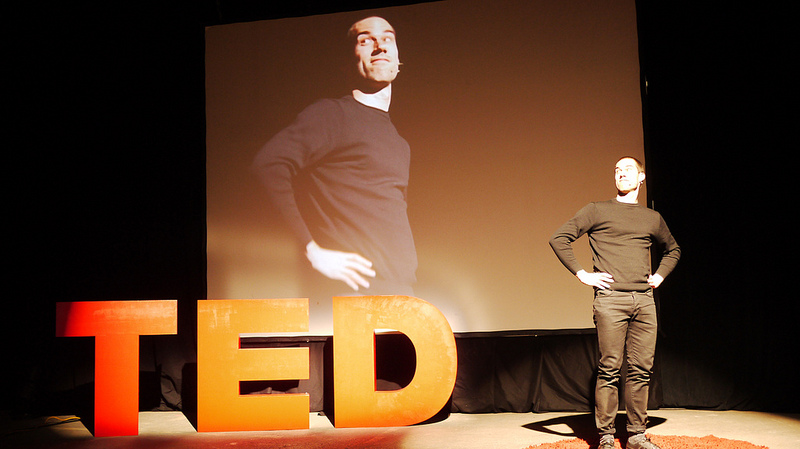 control presentation nerves training scotland man presenting ted talk enthusiasm.