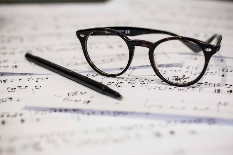 impromptu speech presentation training glasses.