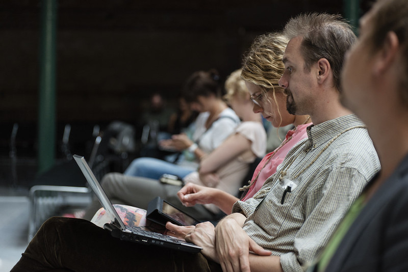 how to win over your audience, honestly, crowd at conference